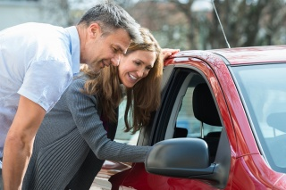 couple getting a car loan