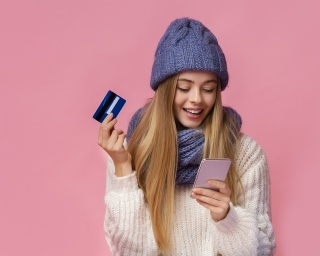 woman happy she got the best credit card